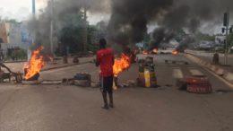 Mali - Des manifestatants assiègent la télévision nationale