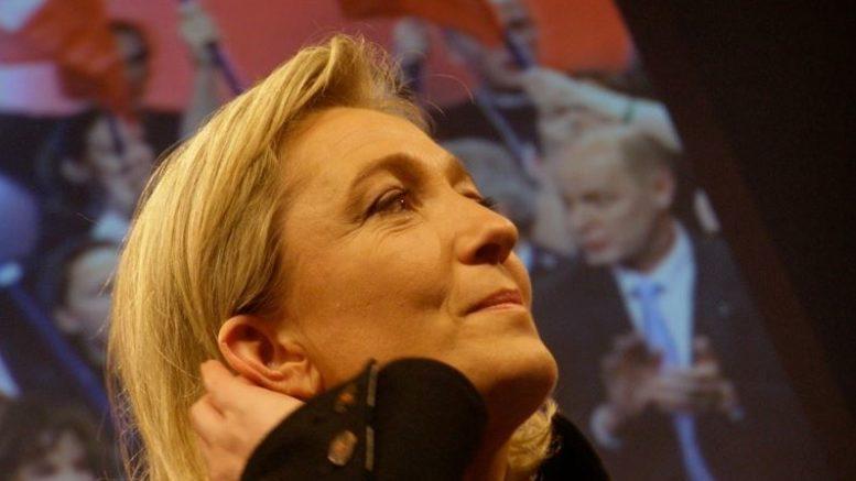En France, une députée ne reconnaît absolument pas la victoire de Biden