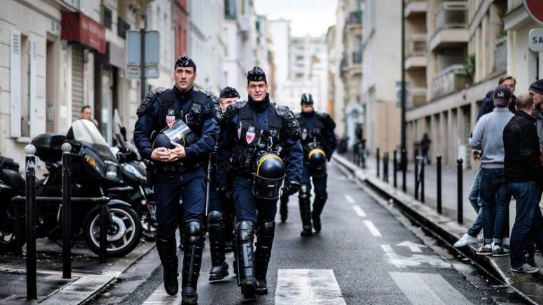 En France, renforcement de la loi antiterroriste